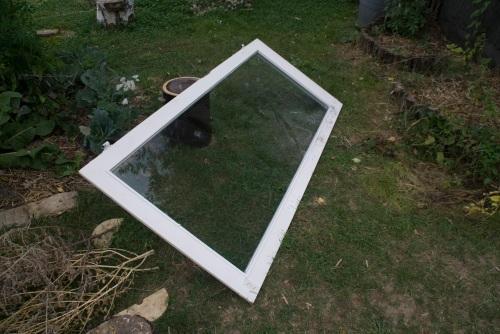 Ein weiterer Kandidat für ein Gewächshaus oder Frühbeet ist dieses Fenster